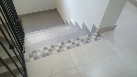 Change between tile shades